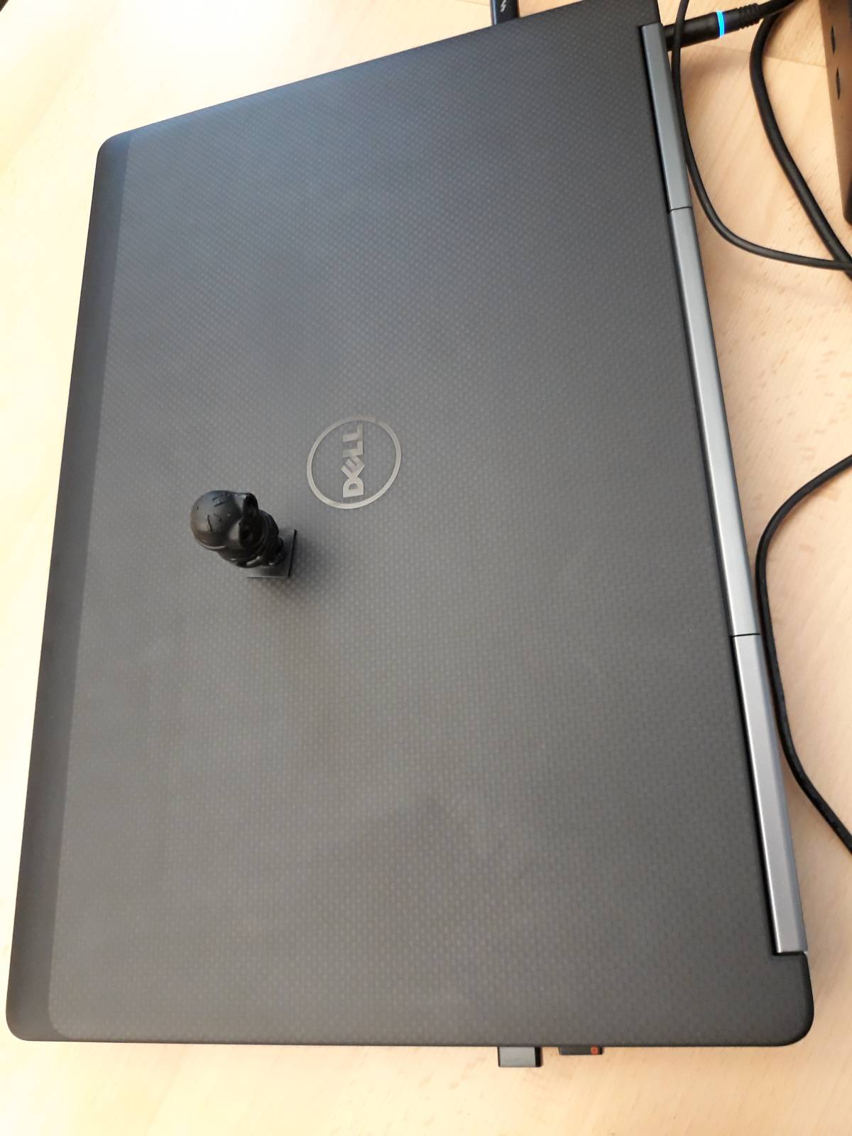 Laptop Dell Precision 7720 02